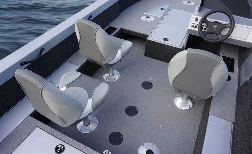 There's no need to leave the gang at home when you go boating. Five seat pedestals and smart storage so your gear will stay safe and dry.