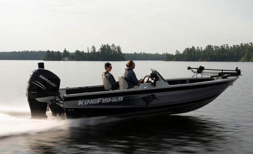 Get to those secret fishing spots faster with our Pre-Flex® hull technology, engineered reverse chine and a maximum 250 HP