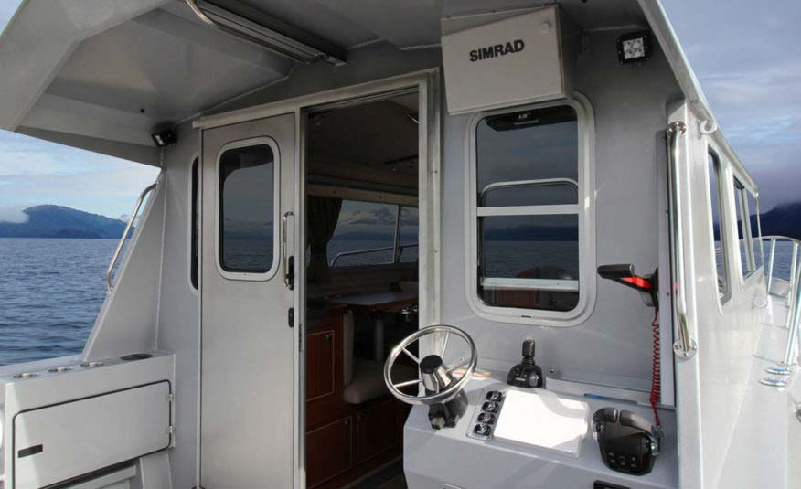 Aluminum cockpit roof extension, rear station with overhead screen for smarter trolling