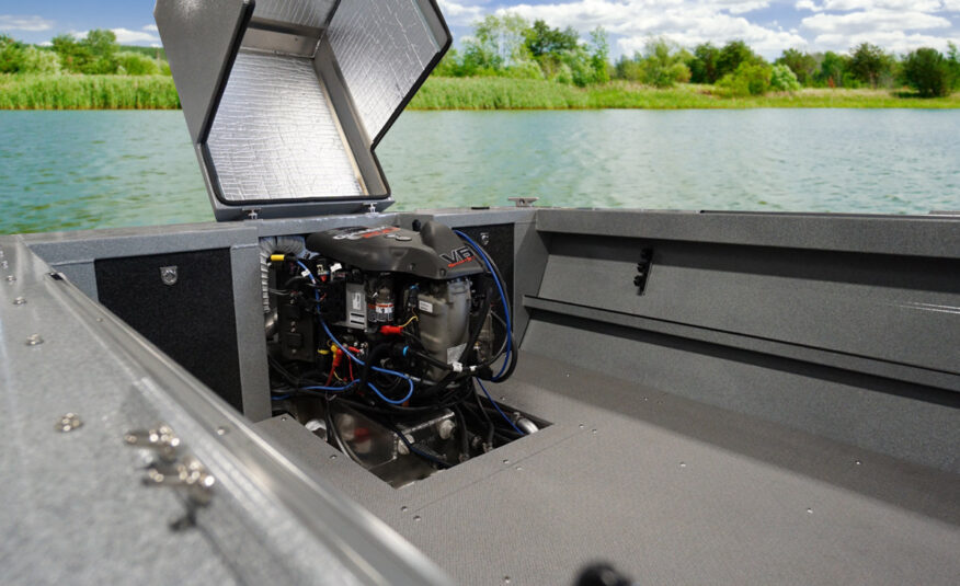 "Sturdy ""doghouse"" engine compartment maximizes space"